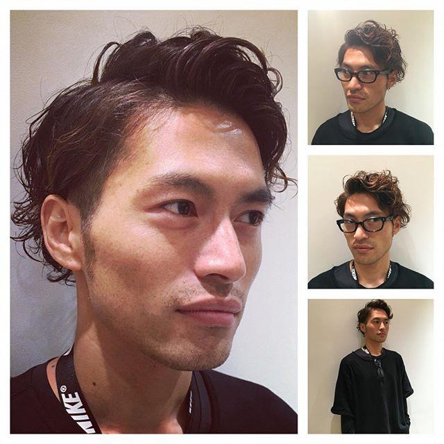 乾かすことは【大事】なこと  ビューティーアドバイザー 宮田 舞美  こんにちは 六本木ヒルズ メンズグルーミングサロン&ストア 「毛先が乾燥しているのが気になる」という相談を受けました。 髪をみさせてもらうと、確かに毛先の乾燥が気になりました。 「普段ドライヤーって使いますか?」 →使いますよ~ 「どのように乾かしますか?」 →髪の中間から毛先メイン・・・バーッと乾かします。  ここです!!!中間から毛先メイン、この一言で気が付きました。 もしかしたら、この方は乾かし方に原因があるのかもしれない!!!と  実は、ドライヤーを使いながら乾かすときは、まず先に根元(地肌)に風を当てていくのです。 根元をしっかり乾かすことで、中間から毛先まで自然と風が当たり、必要な水分量を残して仕上げることが出来ますし、何よりも根元のふんわり感を付けることが出来るのです。  また、根元(地肌)が湿っている状態だとバクテリア菌が繁殖して、ニオイ、痒み、フケ、頭皮湿疹、、、と、頭皮のトラブルにつながっていくのです。  このような状態を放っておくと・・・【抜け毛】の原因になってしまうのです;; 「毛先に風を当てすぎてしまうと、乾かしすぎてパサついてしまいます。そして頭皮状態も悪くなってしまうのでこうなってしまう前にしっかり根元から乾かしてくださいね!!」 と、お伝えしました★次回お会いしたときにお伝えした乾かし方を実践して頂けてるかお聞きしたいと思います(^^) 六本木ヒルズメンズグルーミングサロン&ストアではビューティーアドバイザーがお客様のお悩みに合わせた男性専用スキンケア・頭皮ケア・ヘアケアなどのアドバイスをさせて頂きます!是非お気軽にお越し下さい! #宮田舞美