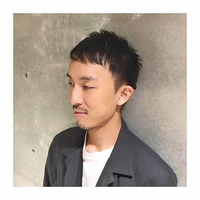 スッキリショート。おでこもカバー!  額が気になって、短くしたいけど短く出来ない…そんな悩みをお持ちの方にオススメです!スッキリ切ってあげたほうが気になりませんよ♪ メンズグルーミングスタイリスト 安田恭兵 #安田恭兵